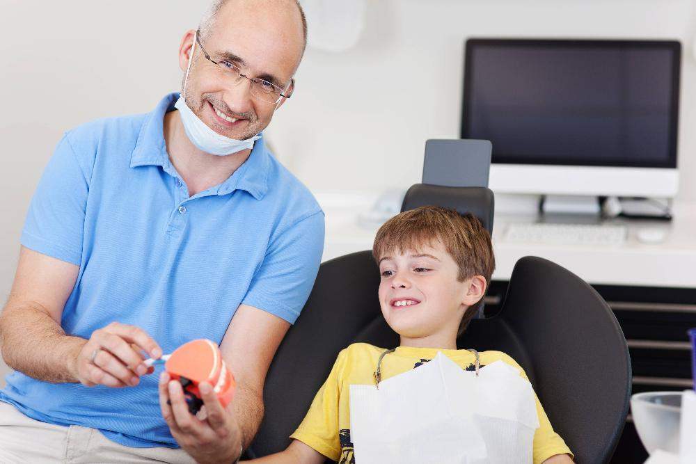 child and dentist | Gentle Family Dentistry in Rockaway NJ | West Main Complete Dentistry
